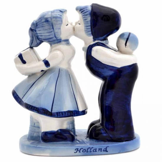 Kissing couple delft blue gift holland 18cm