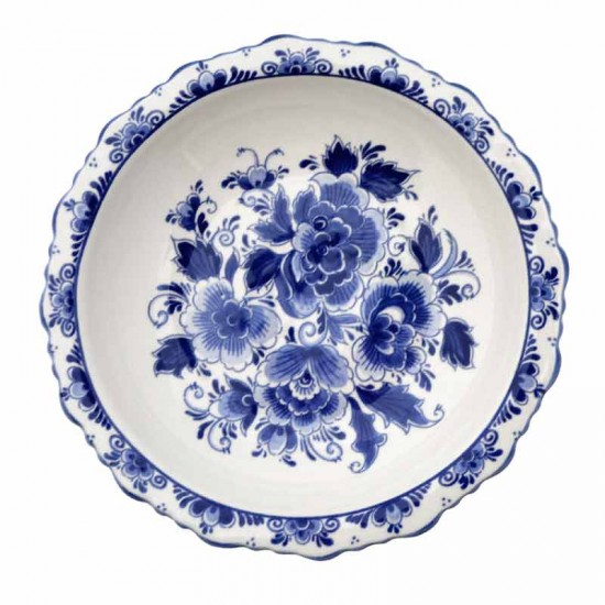 Delft blue bowl on foot flowers