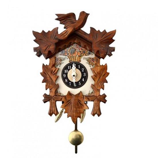 Pendulum clock colored delft blue flowers