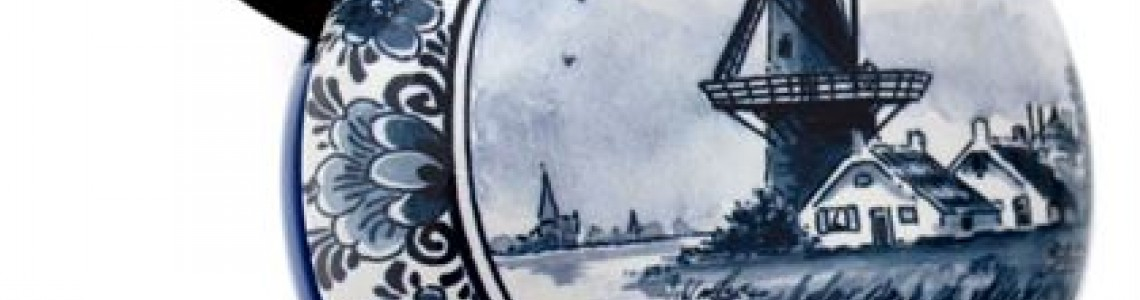 Various Delft blue products