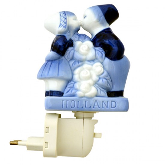 Night light delft blue kissing couple