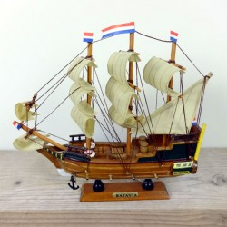 DUTCH VESSEL BATAVIA 24 CM