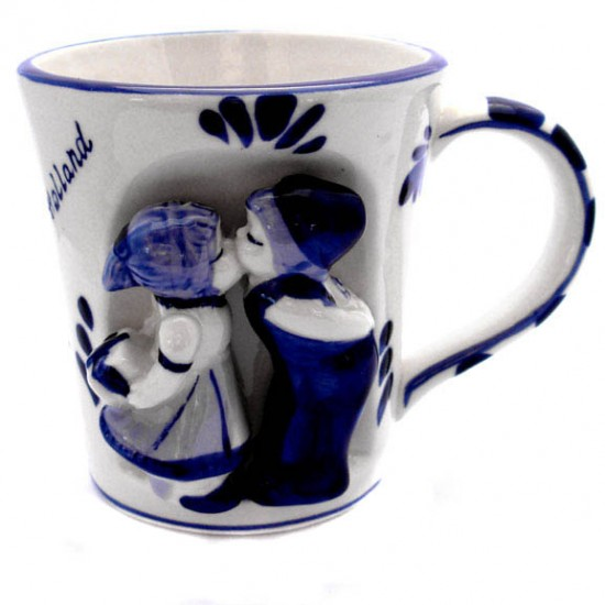 MUG DELFT BLUE KISSING COUPLE  RELIEF
