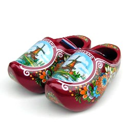 WOODEN SHOES HOLLAND WINDMILL FLOWERS RED 14 CM