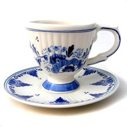CUP and DELFT BLUE PLATE