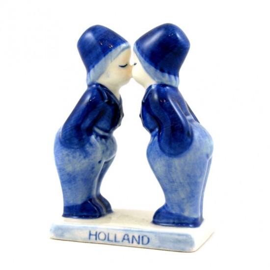 Kissing couple gay boys holland