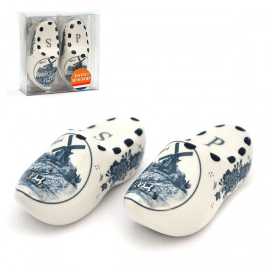SALT AND PEPPER SHAKERS DELFT BLUE CLOGS