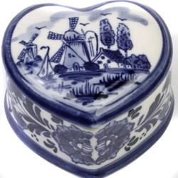 PILLS BOX / JEWELRY BOX DELFT BLUE HEART SHAPE 5.5 X 6 CM