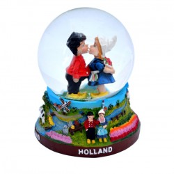 SNOW GLOBE HOLLAND KISSING COUPLE COLOR
