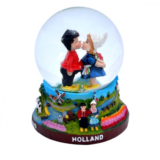 Schudbol / sneeuwbol kussend paar holland kleur